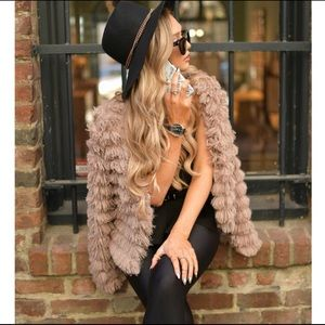 GORGEOUS FAUX FUR FLUFFY TAUPE JACKET!!